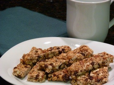Fruit and Nut Granola Bars - nutrition babes