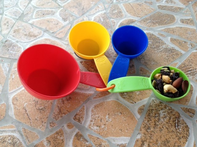 measure cups with quarter cup trail mix