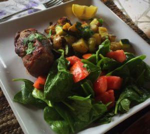 Dinner_neily_beef_salad_hellofresh_mothersday